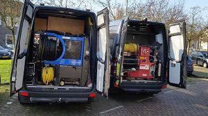 de werkbus waarmee afvoer verstoppingen kunnen worden verholpen